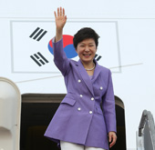 Foreign media nicknames President Park 'Iron Lady'